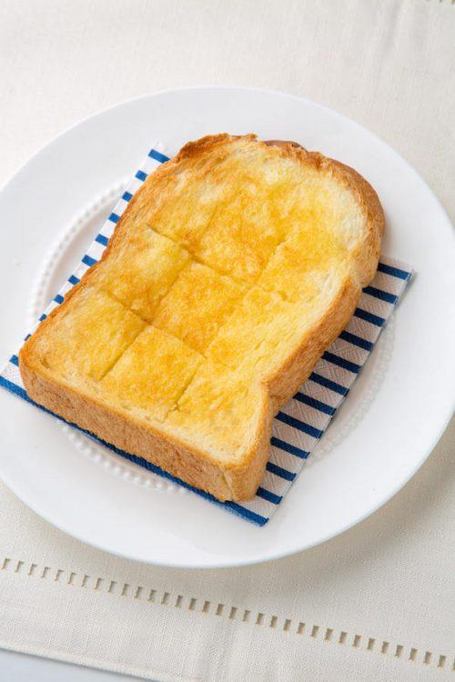 おうちで作る プロ並み究極のバタートースト。シンプルだけど奥深い作り方を評論家に聞きましたよ。