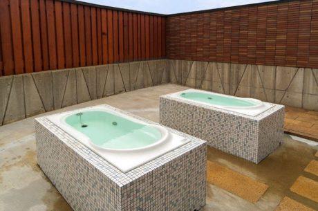 六呂師高原トロン温浴施設 うらら館