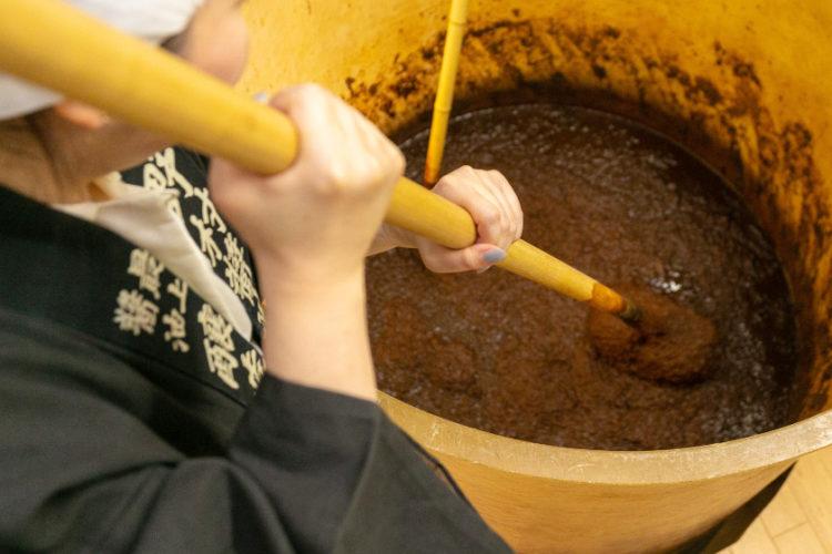 大人の自由研究。老舗の醤油蔵(大野市)でお仕事体験できます! 生しょうゆのお土産付き♪