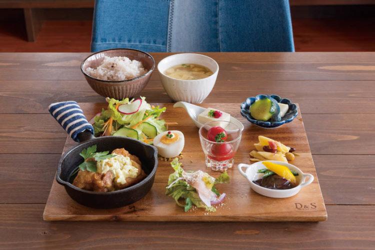 Mahana Table(マハナテーブル)