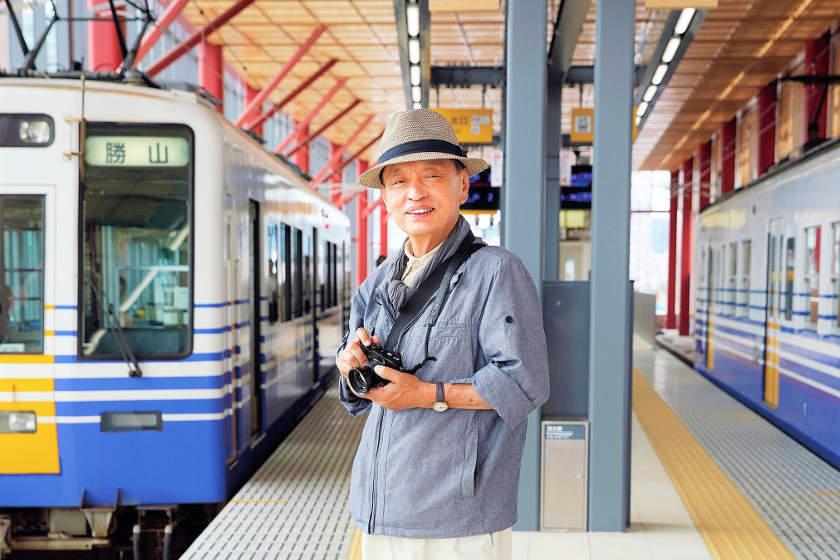 「鉄道を本当に楽しむには、 見るだけでなく乗るのが一番」 鉄道写真家・エッセイスト 南正時さん【ふくい人に聞く】