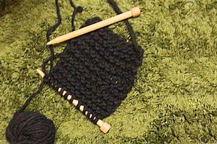 編み物は意外にカンタン♡ 約2時間でぬくぬく小物が編めちゃいます。