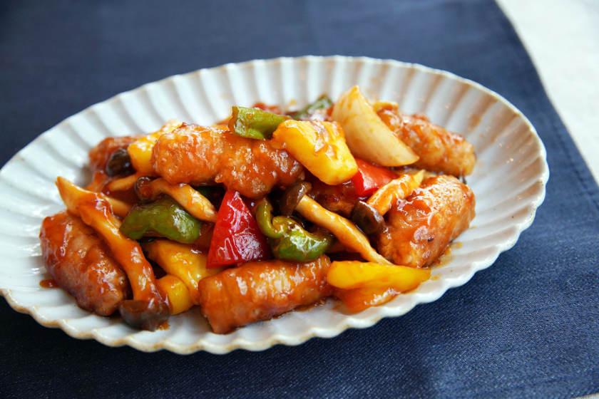 フライパンで簡単にできる! 王道中華のシンプルレシピ ~麻婆豆腐、チンジャオロースー、酢豚~
