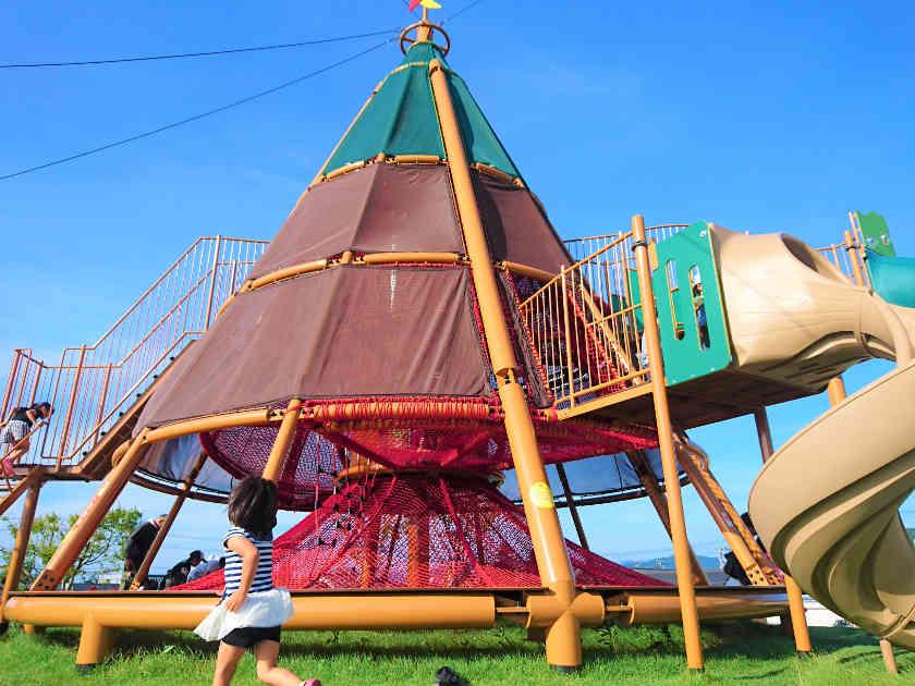 福井県越前市の「だるまちゃん広場」は、年間来場100万人超えの大人気スポット!! かこさとしさん監修です。