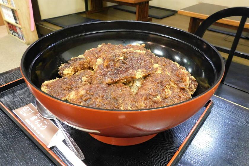 俺の胃袋は宇宙だ、 福井のデカ盛りをKOする! 大食い店チャレンジ録~吉ちょう・「たまげた丼」編~