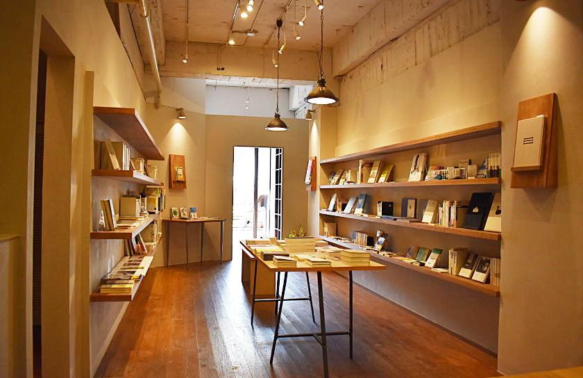 お気に入りの本とコーヒーでスローなひとときを。 福井市駅前に素敵な本のセレクトショップ「わおん書房」がオープンしました。