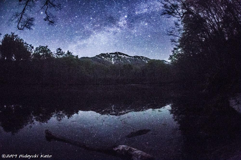 池に映る星空!大野市の刈込池で星を見てきました!【ふくい星空写真館】