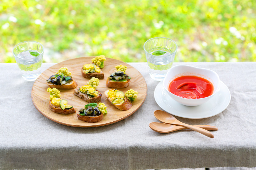 ◎8月のごちそうレシピ◎「冷製トマトスープと夏野菜のタルティーヌ」