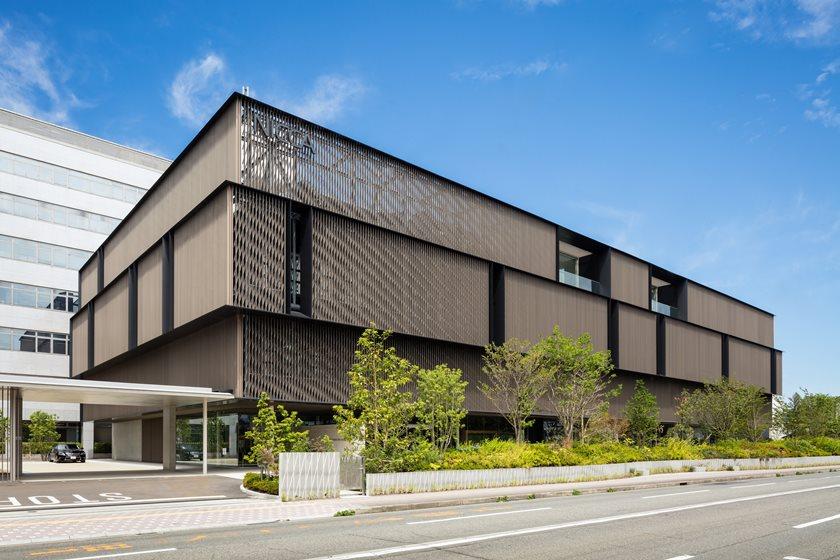 気になる建物「NICCA イノベーションセンター」の内部をのぞいてきた!最新技術とアイデアが詰まった場所で行う『MO-SO活動』も興味津々でした。