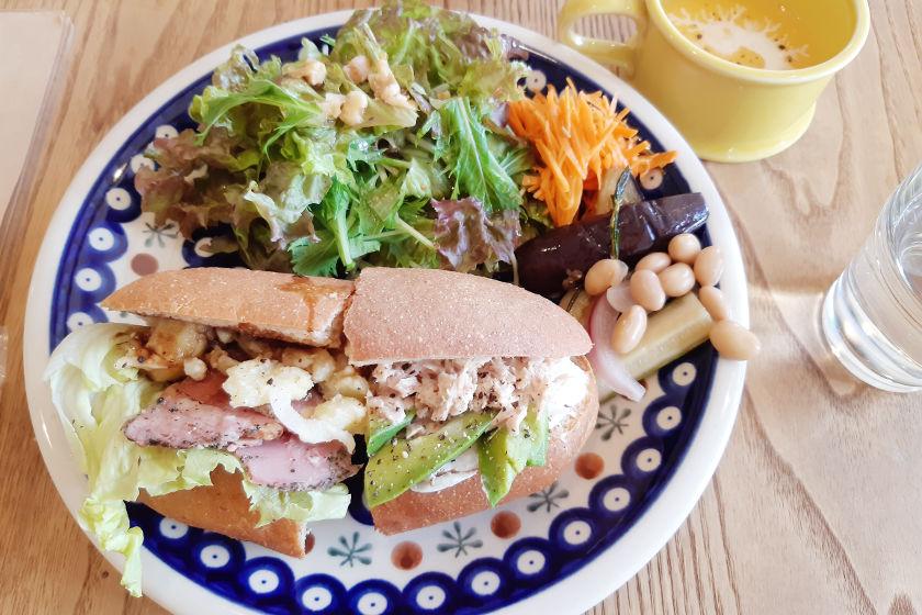 京都から移住した店主がつむぐ優しい時間、kito cafe(キトカフェ)小浜店はほっこり優しいお店でした。