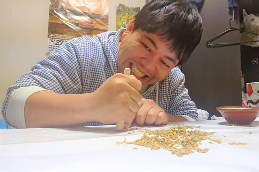 こにおのバケツ稲作りに挑戦【住みます芸人日記】