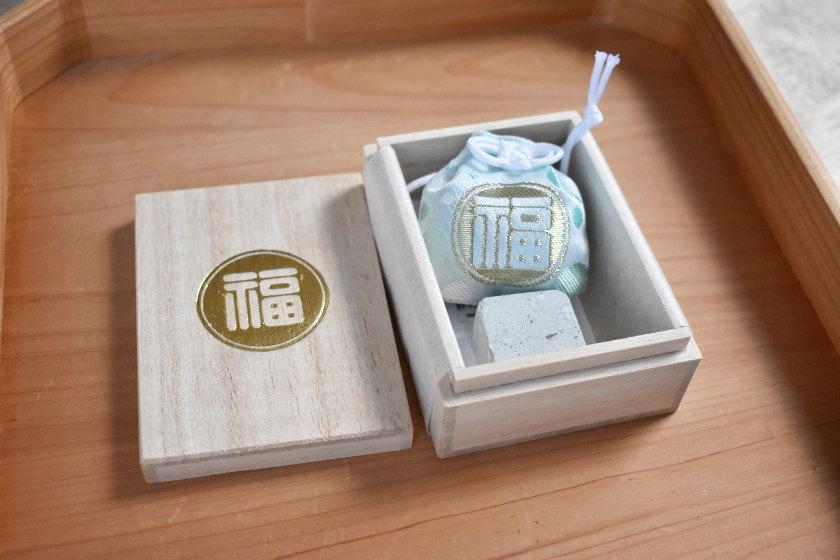"""福井市を代表する碧石""""笏谷石""""が籠められた御守り「福石守(ふくいしまもり)」登場!柴田神社でGETできます。"""