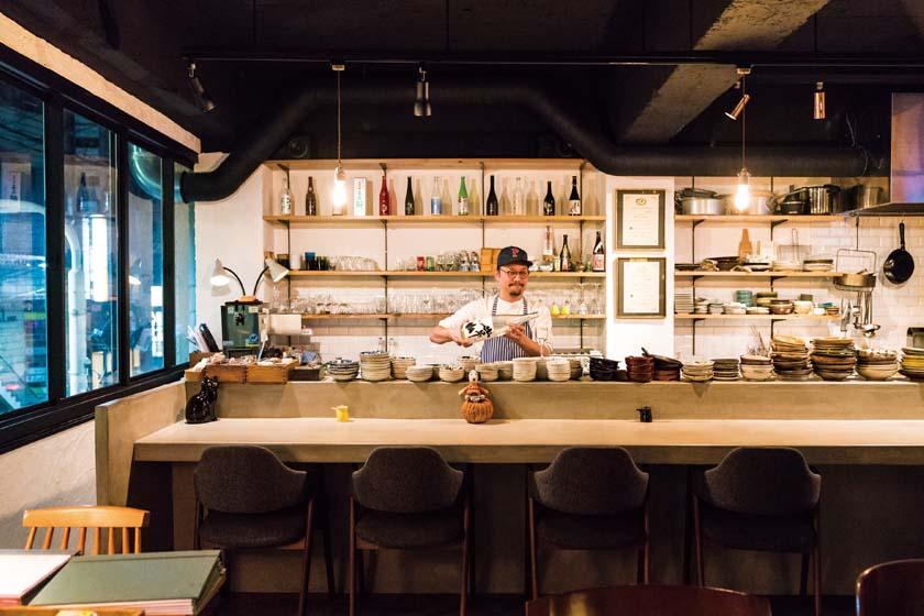 福井県で美味しい日本酒が楽しめる名店8選! 選りすぐりのお店を酒器や肴とともにご案内しましょう。