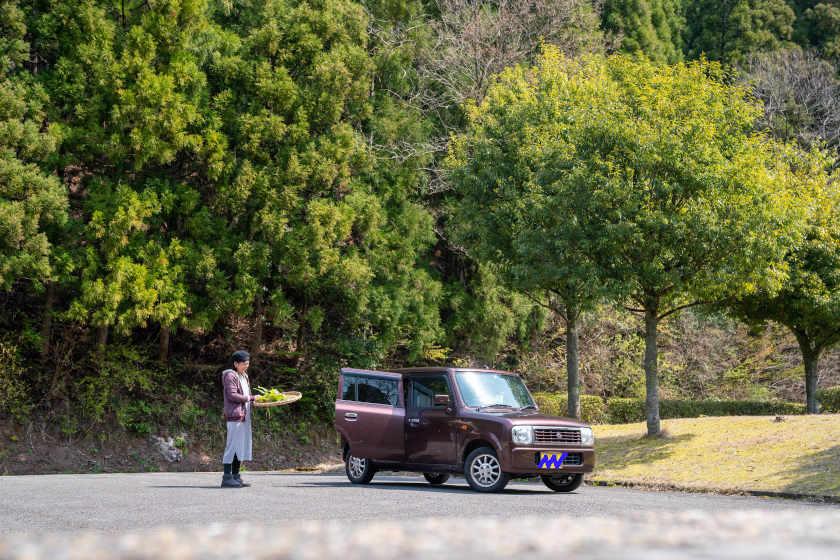 「野草摘みの相棒です」。越前町の薬草ガーデンマスター 吉田さんの愛車はスズキ アルト ラパン【私とクルマ】