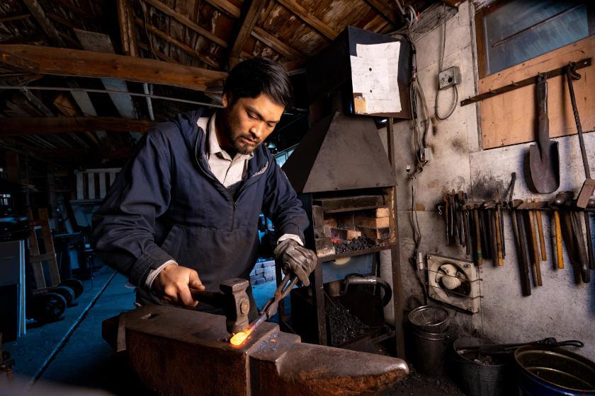 西洋鍛冶屋・納谷俊徳さんと「アンビル」【ふくいの人と道具】