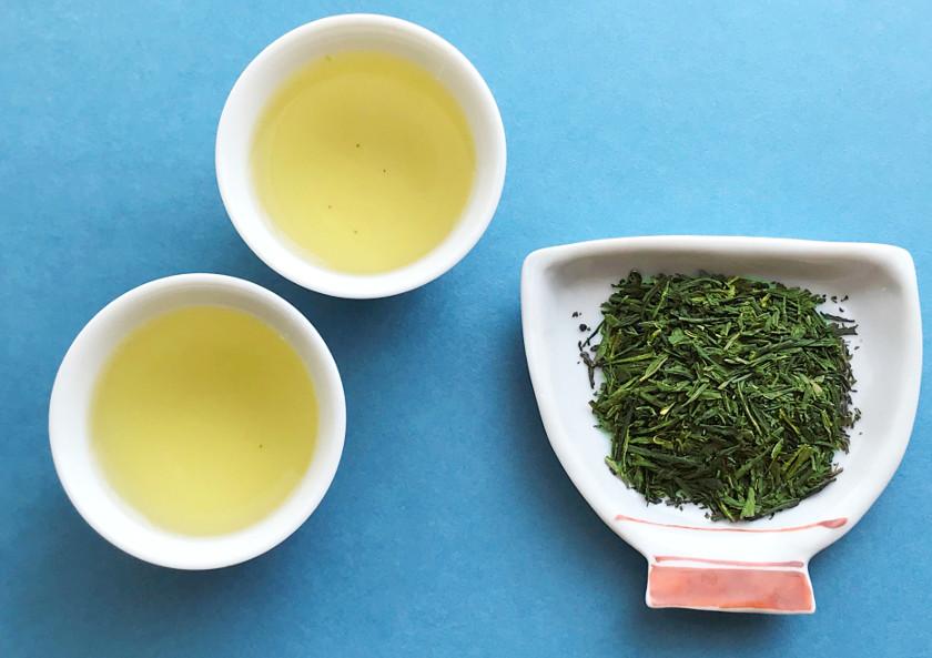 夏にぴったり♪ 《水出し緑茶》で手軽においしく、自己免疫力をアップ!!