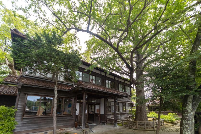 緑に囲まれた歴史ある建物で山の文化に触れる。加賀に行ったらぜひ立ち寄りたい「深田久弥 山の文化館」。