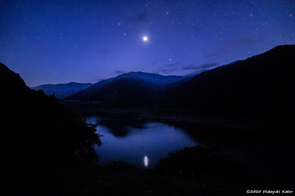 麻那姫湖に昇るビーナス(金星)が美しい! 大野市の麻那姫湖で星を見てきました!【ふくい星空写真館】