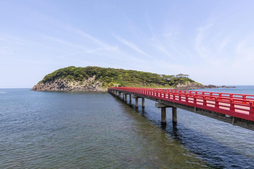 福井県の東尋坊沖合いに浮かぶ無人島「雄島」をぐるっと探検! 雄大な自然と歴史が織りなす景色に癒されました。