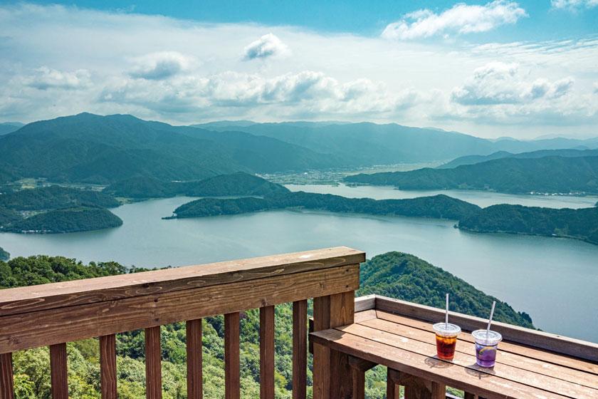 美しい景色とおいしい食事に癒される。福井県内の眺めのよいカフェ5選。