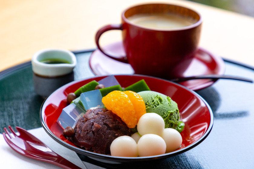 あわら温泉「美松」に誕生した「茶楽かぐや」は、旅館の贅沢な雰囲気の中で、日本茶専門店の極上甘味が楽しめるよ!